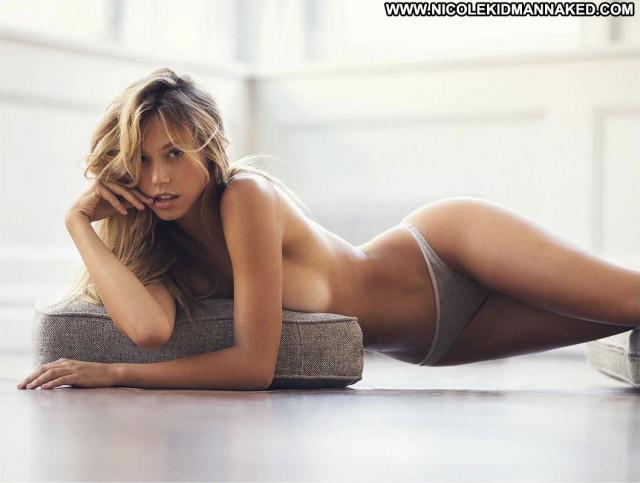 Celebrities Nude Celebrities Nude Famous Posing Hot Celebrity