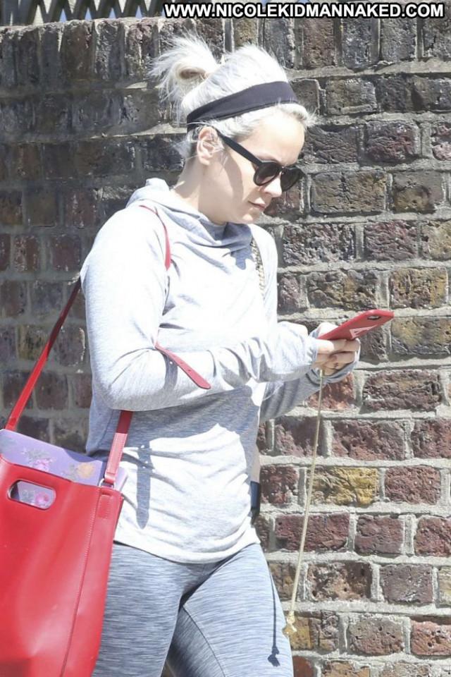 Lily Allen Yoga Class Paparazzi Beautiful Posing Hot London Celebrity
