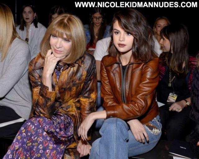 Selena Gomez Fashion Show Celebrity Fashion Babe Beautiful Coach