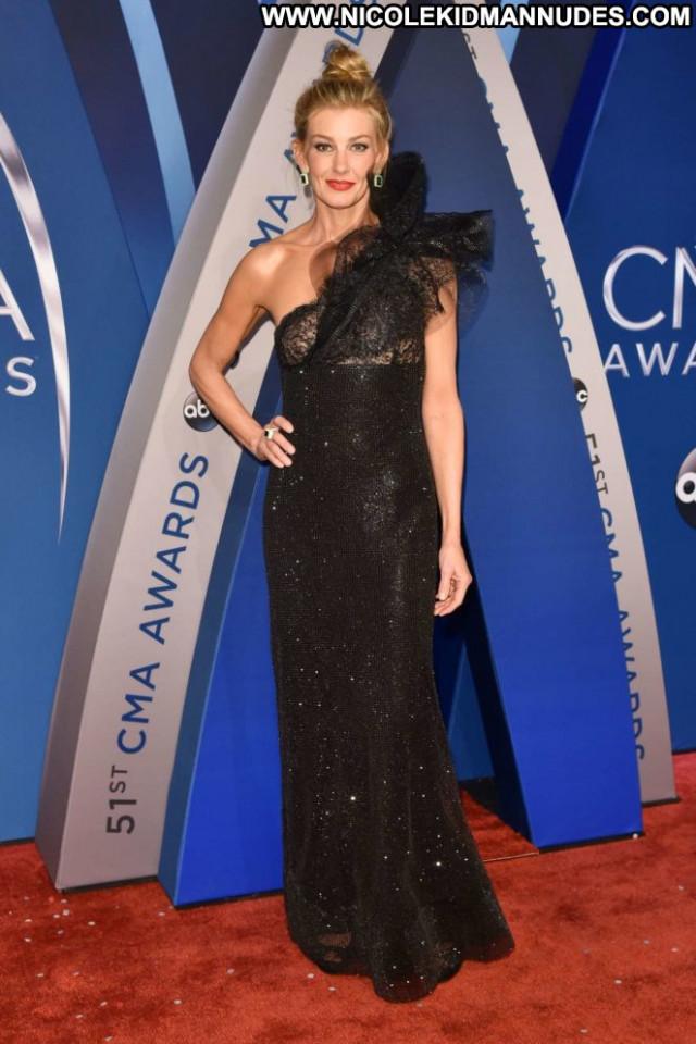 Faith Hill Cma Awards Awards Paparazzi Babe Celebrity Posing Hot