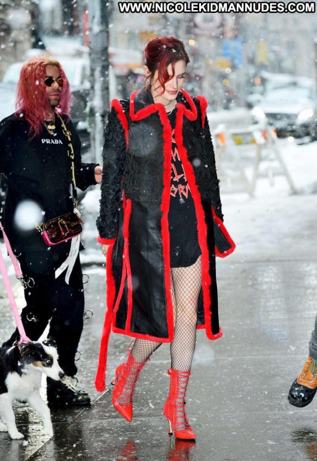 Bella Thorne New York Babe Celebrity New York Paparazzi Posing Hot