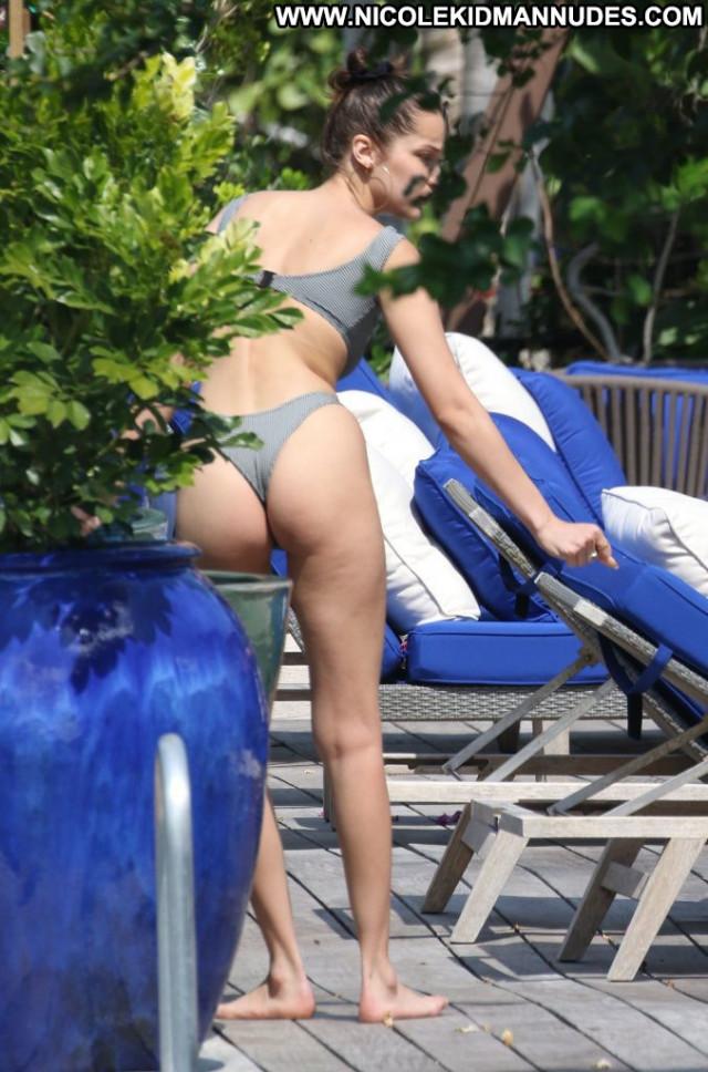 Jessica Gomes No Source Posing Hot Beautiful Sexy Legs Videos Male