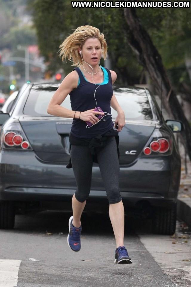 Julie Bowen No Source Posing Hot Celebrity Beautiful Babe Paparazzi