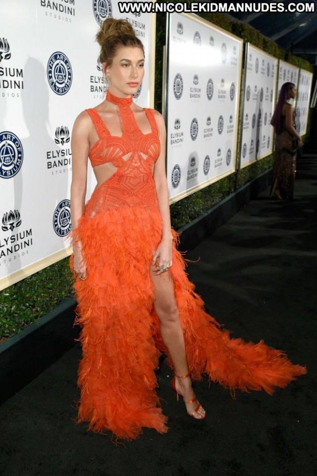 Hailey Baldwin Los Angeles Celebrity Los Angeles Paparazzi Posing Hot