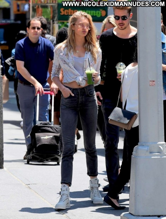 Romee Strijd No Source Nyc Babe Beautiful Posing Hot Jeans Paparazzi