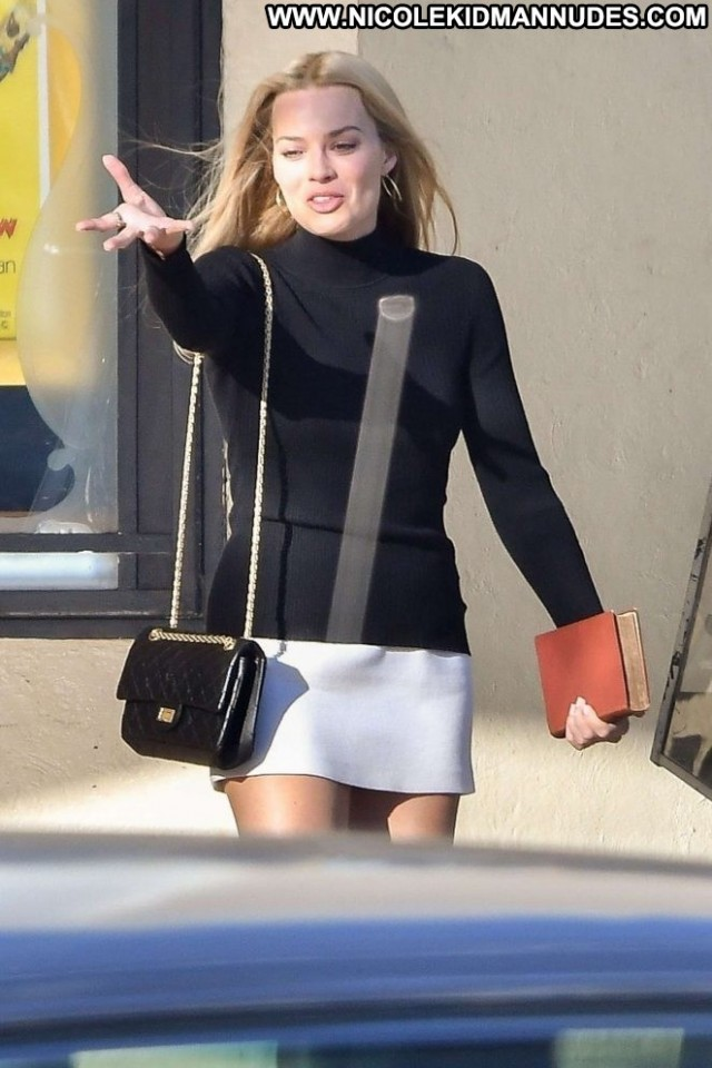 Margot Robbie Once Upon A Time Skirt Beautiful Babe Paparazzi