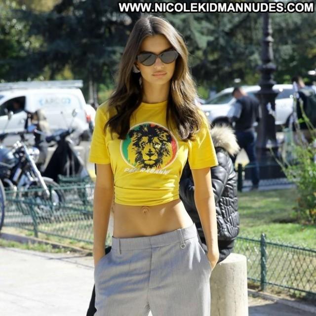 Emily Ratajkowski No Source Posing Hot Beautiful Babe Celebrity Paris