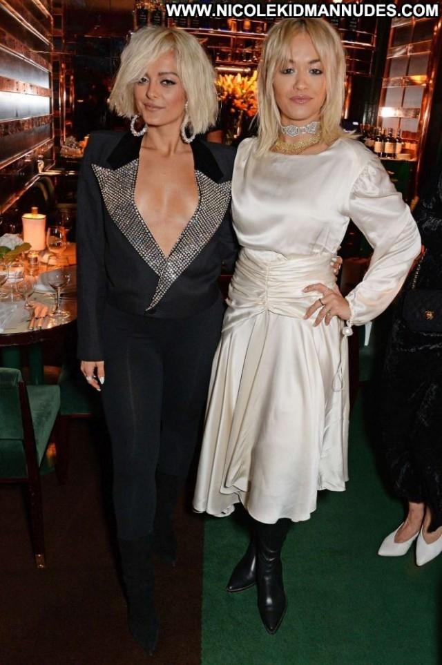 Rita Ora No Source Paparazzi Posing Hot Beautiful Celebrity London