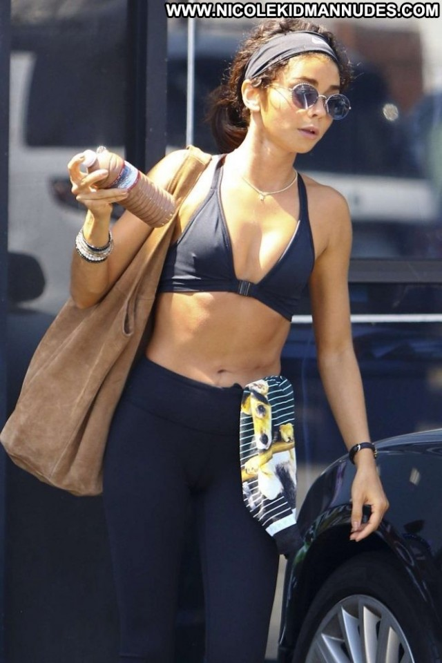 Sarah Los Angeles Bra Sport Beautiful Posing Hot Babe Sports Gym