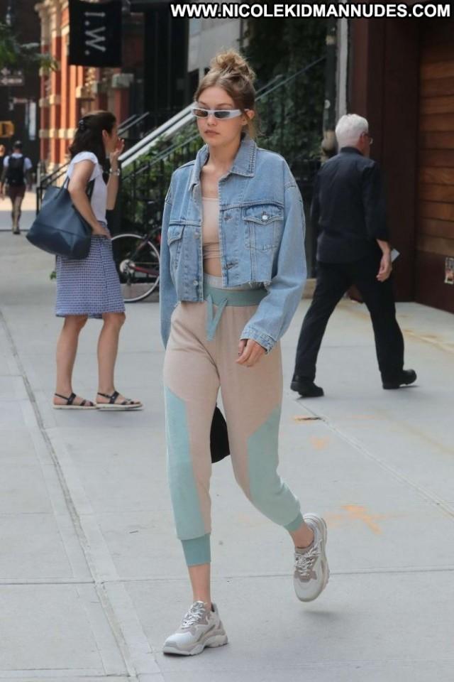 Gigi Hadid New York New York Paparazzi Beautiful Celebrity Posing Hot