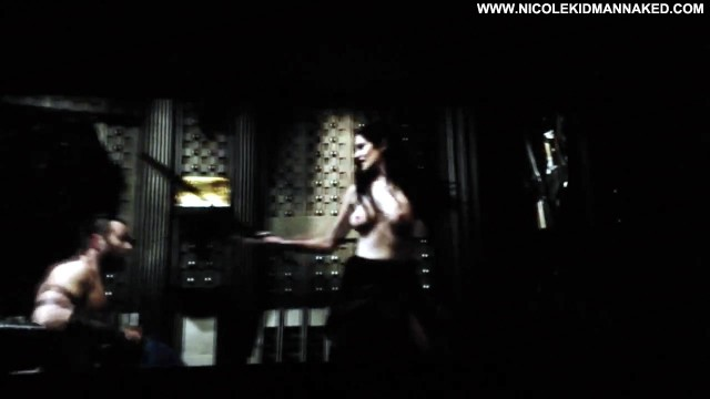 Nicole Kidman Posing Hot Celebrity
