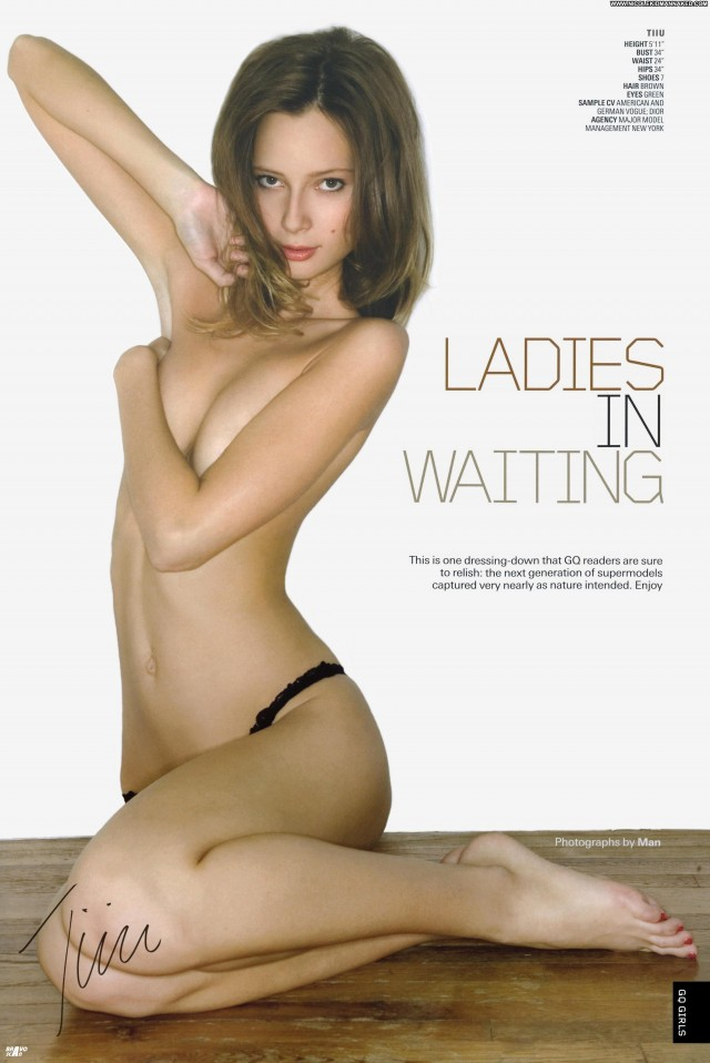 Ladies In Waiting Gq Ukn March      Scans Celebrity Posing Hot