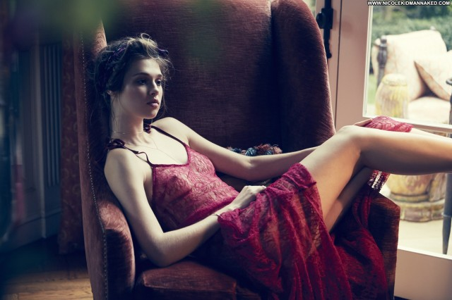 Anais Pouliot For Love     Lemons Fall Celebrity Posing Hot Beautiful