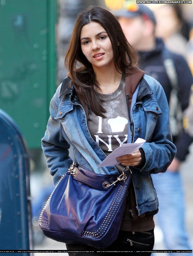 Victoria Justice Nyc Beautiful Posing Hot High Resolution Celebrity