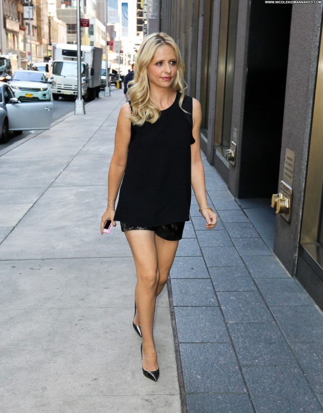 Sarah Michelle Gellar Michelle Babe Nyc Posing Hot High Resolution