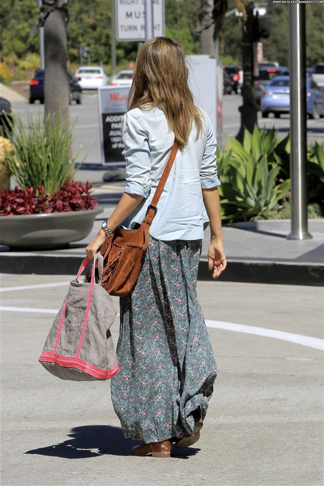 Jessica Alba Los Angeles Posing Hot Beautiful Candids Celebrity