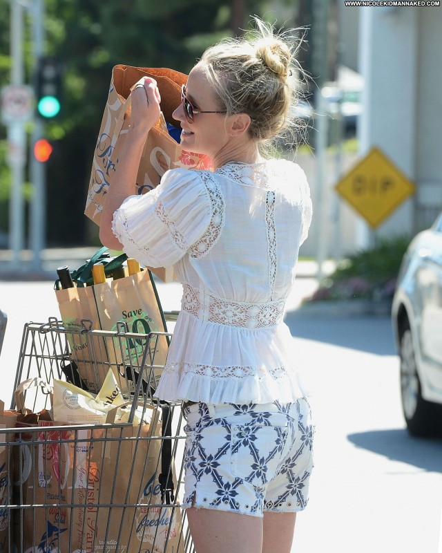 Anne Heche Shopping Babe High Resolution Celebrity Shopping Posing