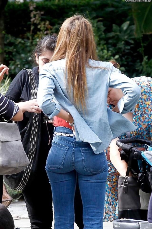 Jessica Alba New York Babe High Resolution Posing Hot Celebrity