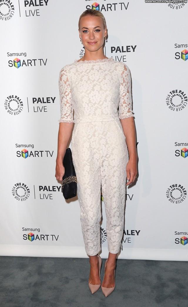 Yvonne Strahovski Beverly Hills Beautiful Babe Posing Hot High