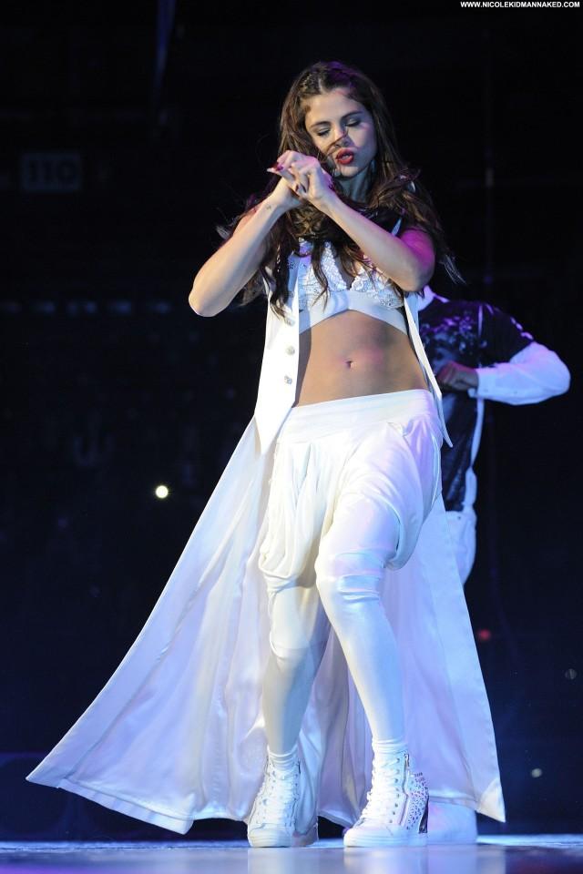 Selena Gomez Performance Posing Hot Babe Candids Celebrity High