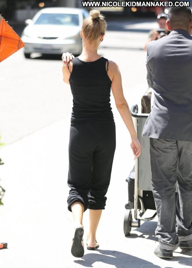 Joanna Krupa No Source Posing Hot Beautiful Celebrity High Resolution