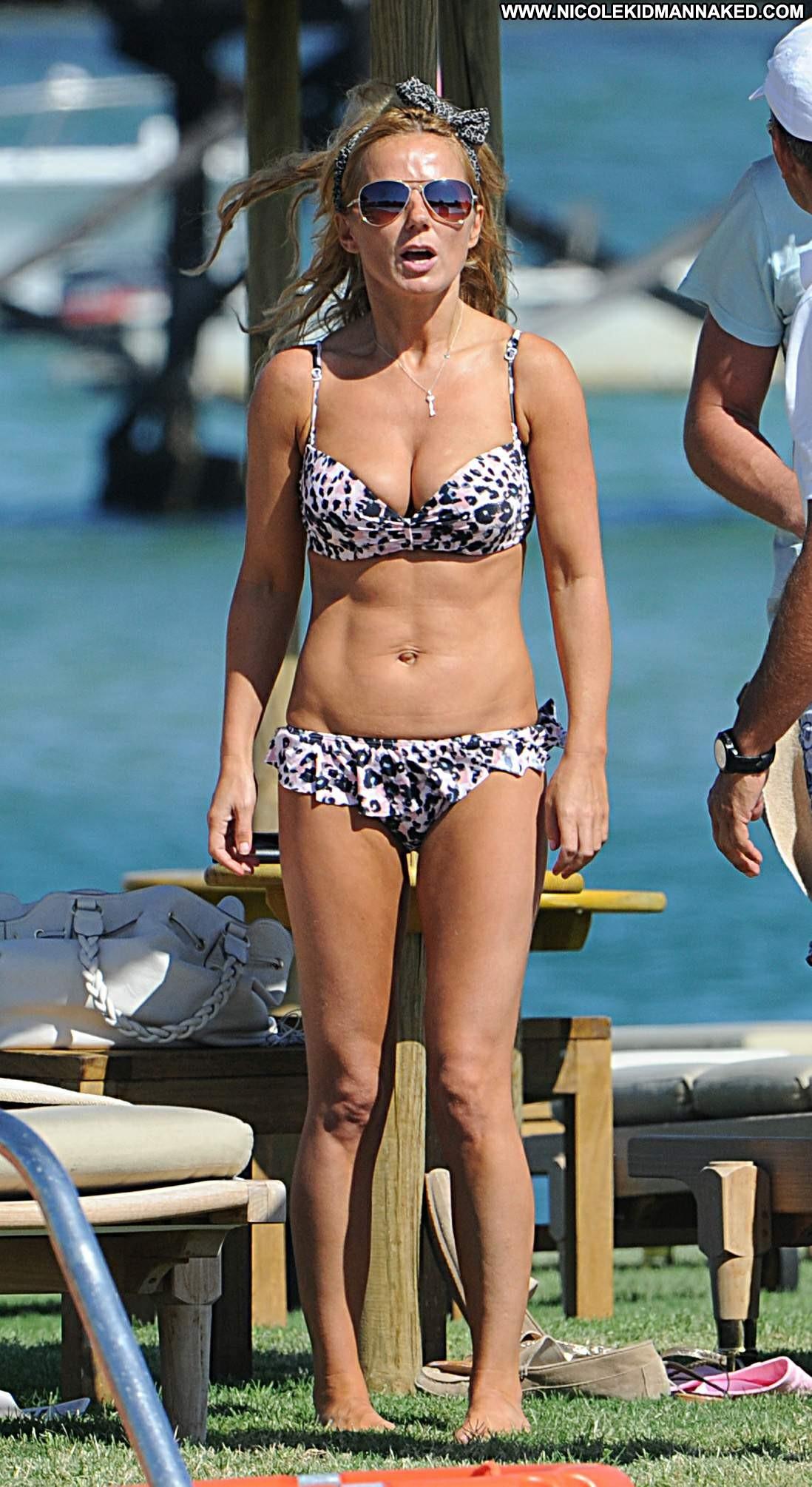 Geri Halliwell No Source Celebrity Posing Hot Celebrity