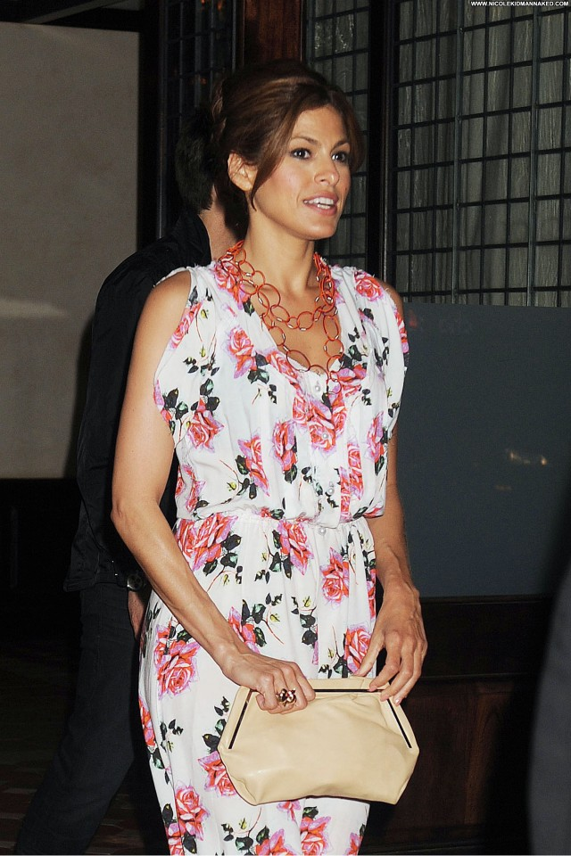 Eva Mendes No Source Beautiful Posing Hot High Resolution Nyc Babe