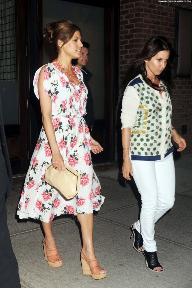 Eva Mendes No Source Beautiful High Resolution Nyc Celebrity Hotel