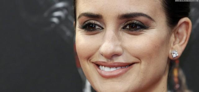 Penelope Cruz Stranger Celebrity Babe High Resolution Beautiful