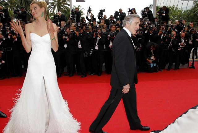 Uma Thurman Midnight In Paris Posing Hot Babe Red Carpet Celebrity