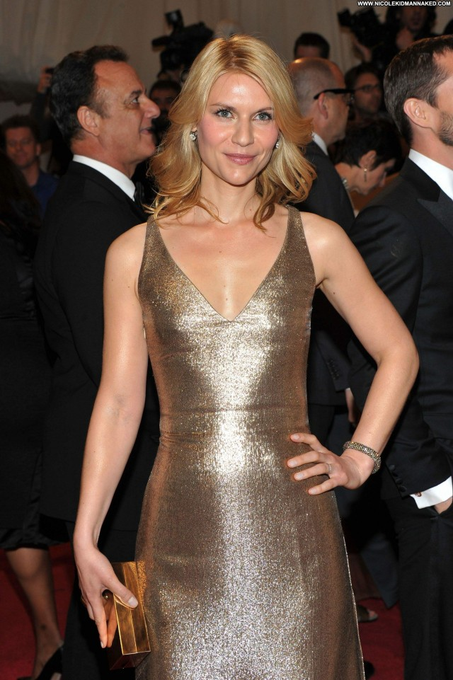 Claire Danes Alexander Beautiful Celebrity Babe Posing Hot High