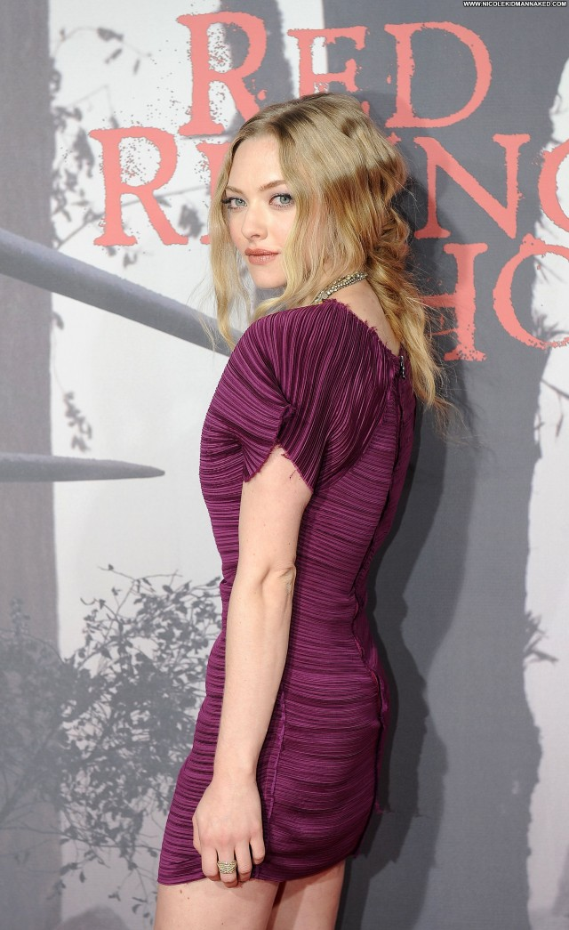 Amanda Seyfried Red Riding Hood  Posing Hot Babe High Resolution