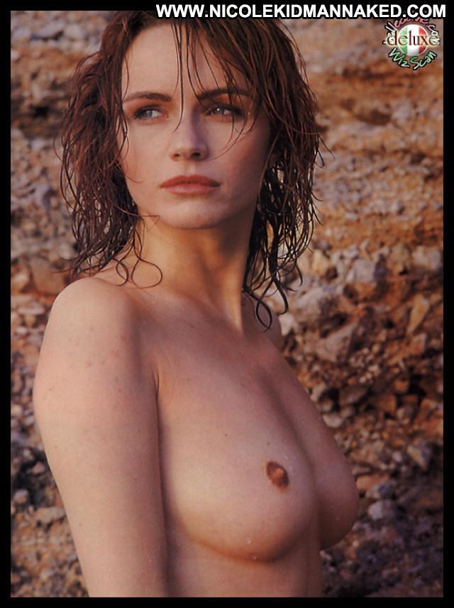 Francesca Neri Live Flesh Posing Hot Babe Beautiful Celebrity Female