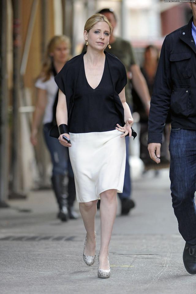 Sarah Michelle Gellar Michelle Nyc Celebrity Posing Hot Babe