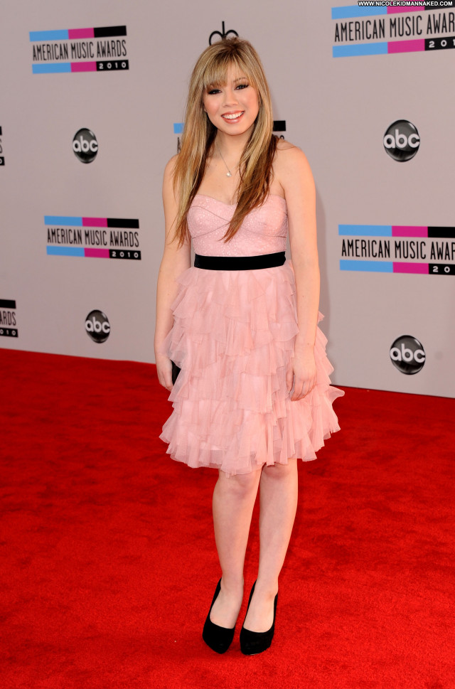 Jennette Mccurdy American Music Awards Posing Hot High Resolution