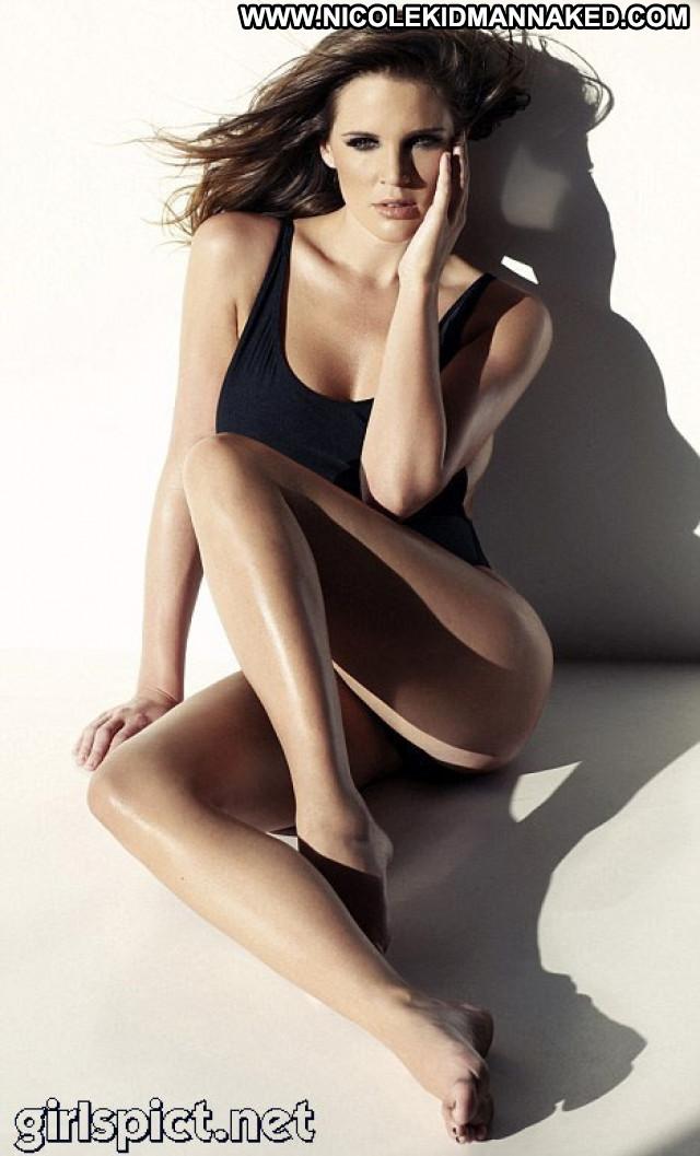 Danielle Lloyd No Source Uk Calendar Beautiful Babe Celebrity Posing