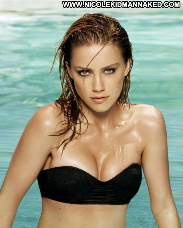 Amber Heard Maxim Magazine Usa Actress Beautiful Magazine Babe Posing