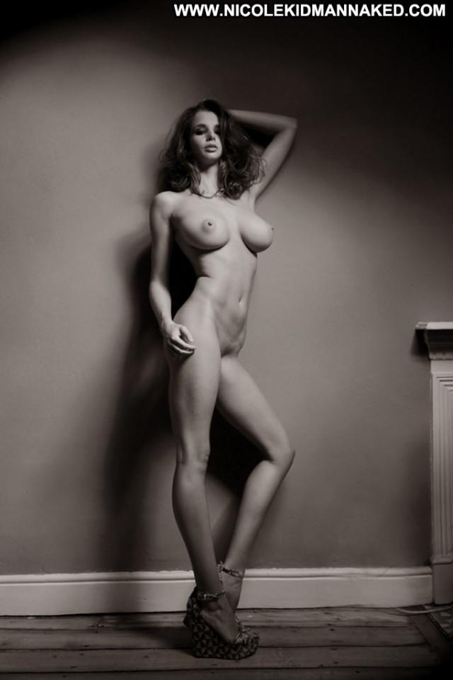 Shaw nude emily Emily Shaw