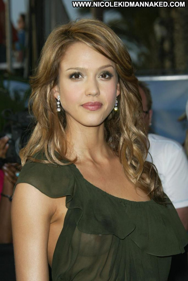 Jessica Alba No Source Nipples Usa Posing Hot Babe See Through
