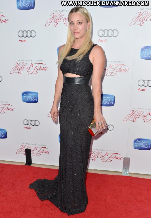Kaley Cuoco Red Carpet Posing Hot Babe Smile Beautiful Usa Red Carpet