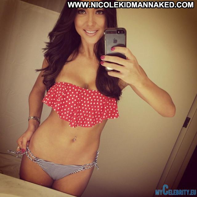 Arianny Celeste No Source  Celebrity Posing Hot Usa Babe Beautiful