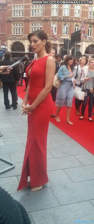 Nargis Fakhri The Red Carpet Usa Red Carpet Posing Hot Beautiful Babe
