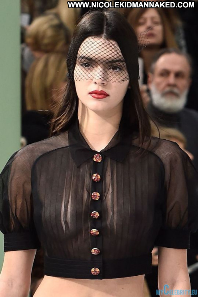 Kendall Jenner Fashion Show See Through Usa Celebrity Beautiful Paris