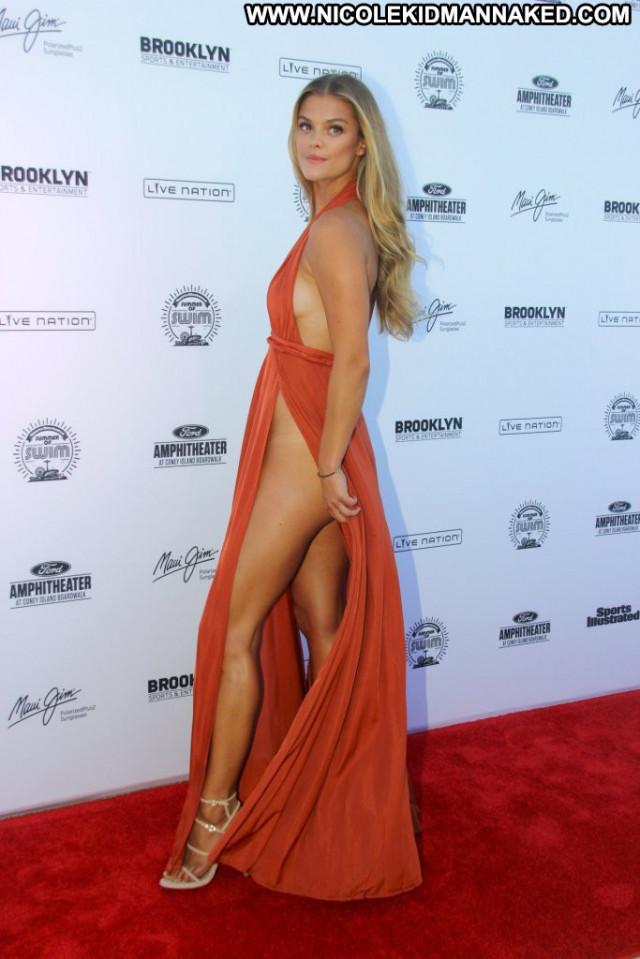 Nina Agdal Red Carpet Red Carpet Posing Hot Panties Beautiful