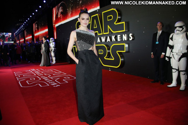 Daisy Ridley The Red Carpet Babe European Beautiful Celebrity Posing