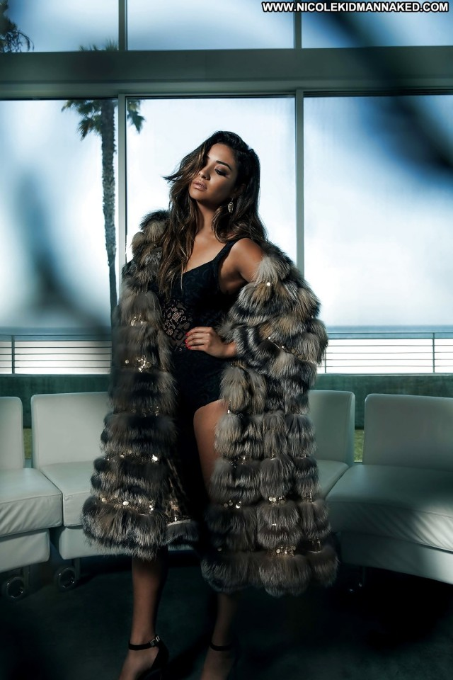 Shay Mitchell Celebrity Pretty Tv Series Babe Actress
