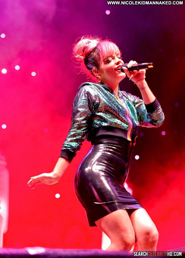 Lily Allen Pictures Germany Flashing Public Upskirt Celebrity