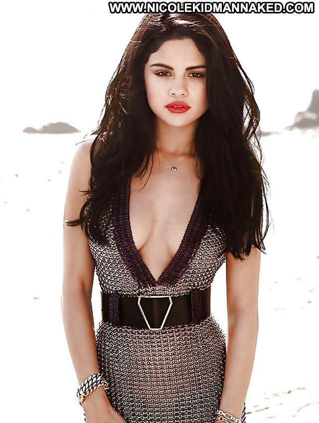 Selena Gomez Pictures Celebrity Babe Doll Hot Famous Hd Sexy Posing