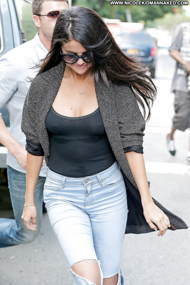 Selena Gomez Pictures Hot Celebrity Tits