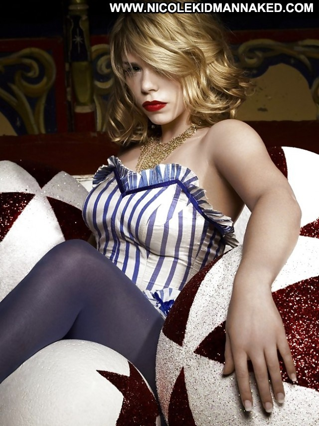 Billie Piper Pictures Sexy Celebrity Hot Sea Blonde Female Nude Doll